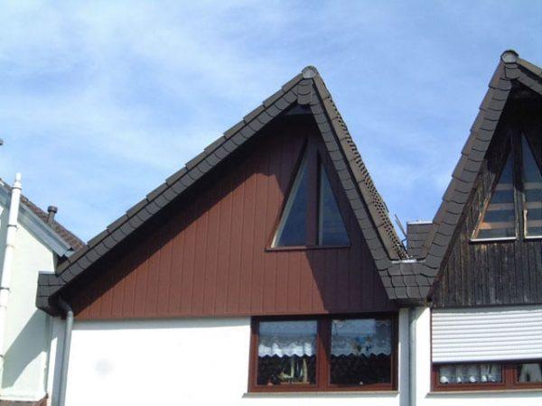 Dachdecker & Klempner Hennef - Allwetterpaneele - Giebelverkleidung mit Allwetterpaneelen