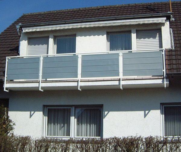 Dachdecker & Klempner Hennef - Allwetterpaneele - Sichtschutz für Balkon mit Allwetterpaneelen